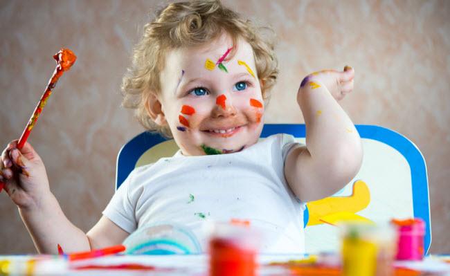 Если ребенок рисует только маму